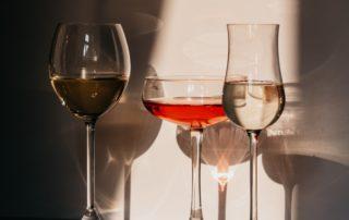 Alcoholismo-bebidas alcohólicas-confinamiento